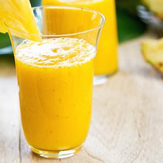 Juicy Pineapple-Cucumber Smoothie.