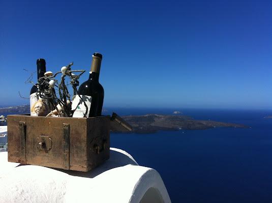 un bicchiere di vino di fronte ad un magnifico paesaggio   di pluto0762