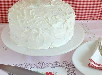 Creamsicle Ice Cream Poke Cake Recipe