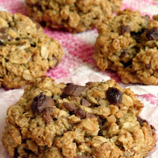 The Best Ever Healthy Chocolate Chip Oatmeal Cookies.
