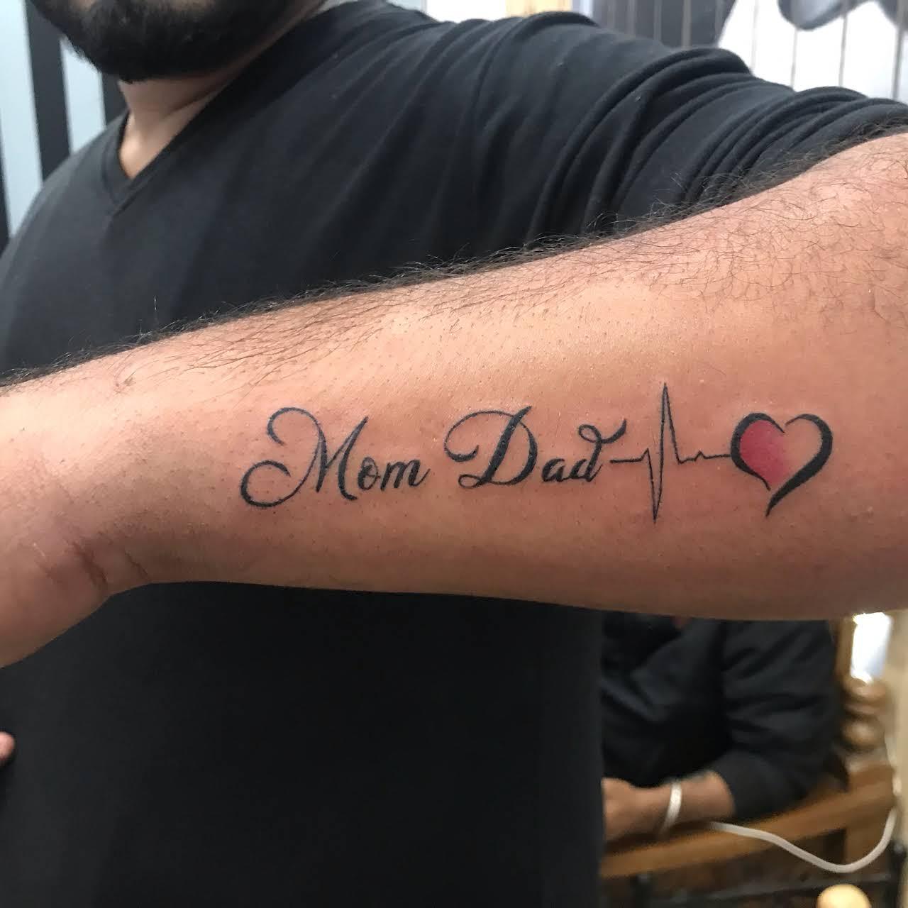 20+ Tattoos For Girls On Wrist Mom Dad Pics