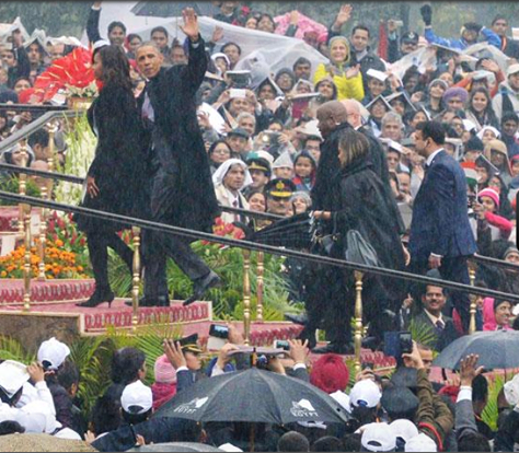 Cloudy sky, heavy drizzle...but no doubts, it's been a beautiful day for everyone watching #RepublicDay celebrations http://ow.ly/HVqLQ