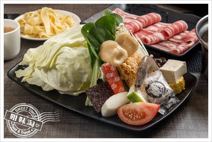 陶林日式涮涮鍋鳳山店菜盤