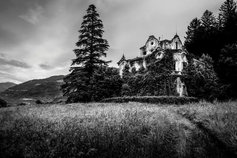 Derelict house di LorenzoVitali