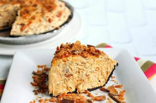 """Perfect Peanut Butterfinger Pie""""Warning: it is extremely rich but addicting. Even those..."""