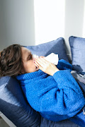 Allergy experts say while it may be difficult to tell the difference between an allergy and Covid-19, allergy sufferers must study symptoms very closely and rule out fever. and body aches.