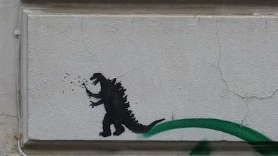 """Photo: Stencil; Unknown Artist; """"Dino mit Pusteblume"""""""
