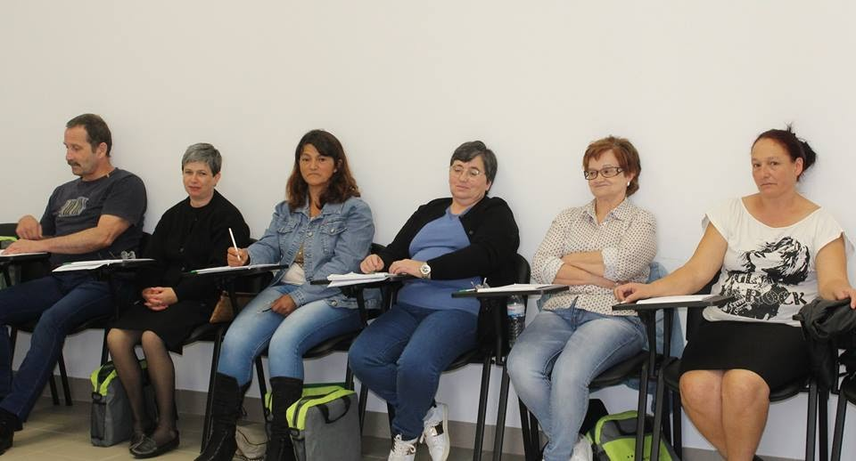 Desempregados de longa duração recebem formação em geriatria