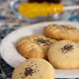 Persian Rice Cookies (Nan-e Berenji).