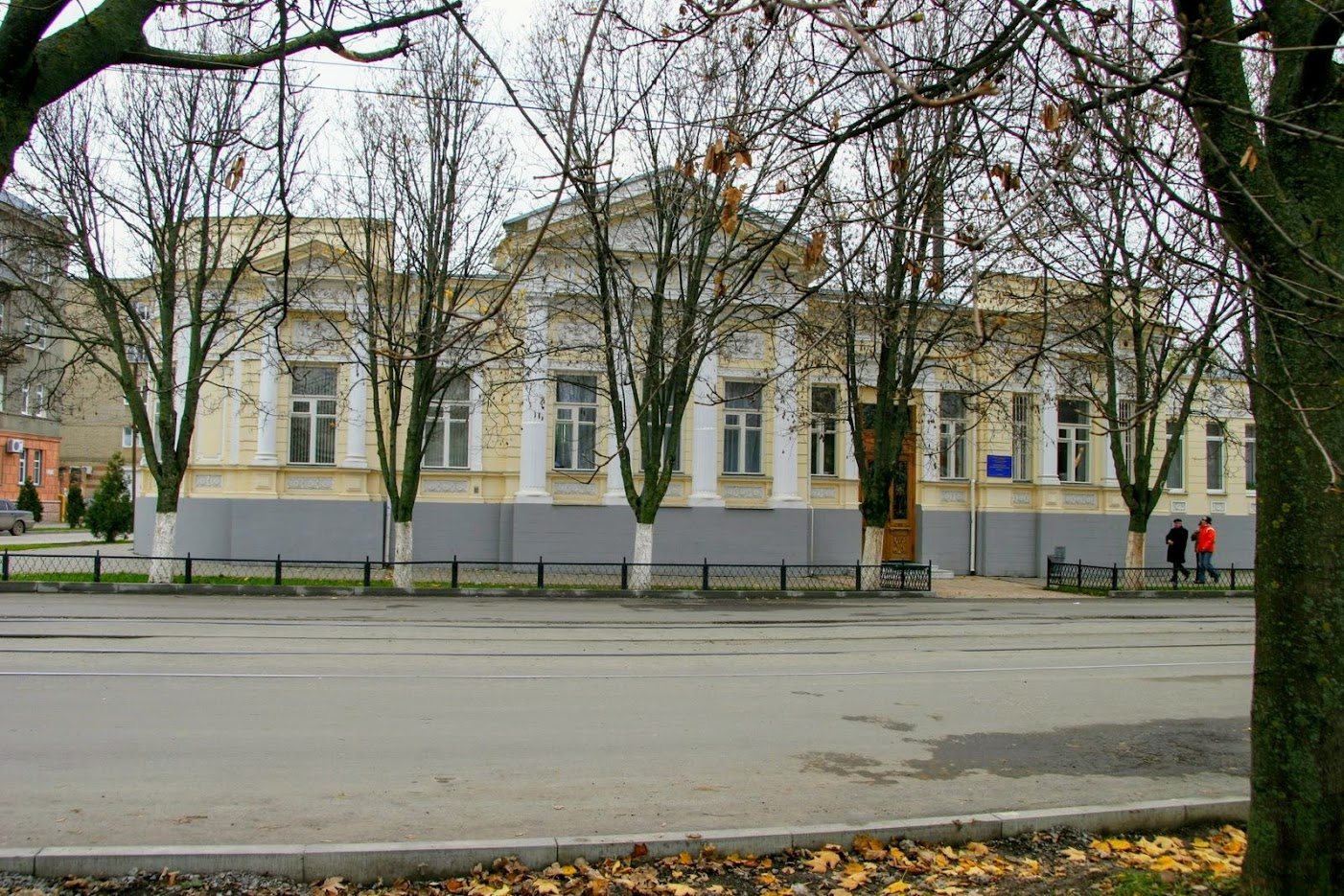 https://sites.google.com/site/istoriceskijtaganrog/frunze-ulica/dom-37