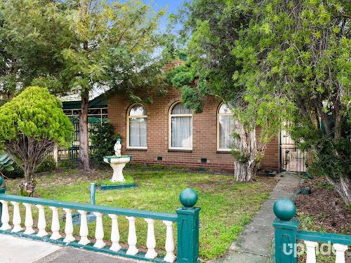 Photo of property at 2 Empress Court, Sunshine West 3020