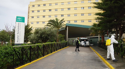 Desinfección en el Hospital Universitario Torrecárdenas.