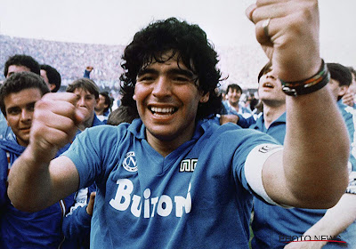 🎥 Dochter Maradona laat tranen de vrije loop bij eerbetoon Boca Juniors