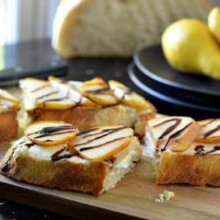 Pear & Goat Cheese Tartines