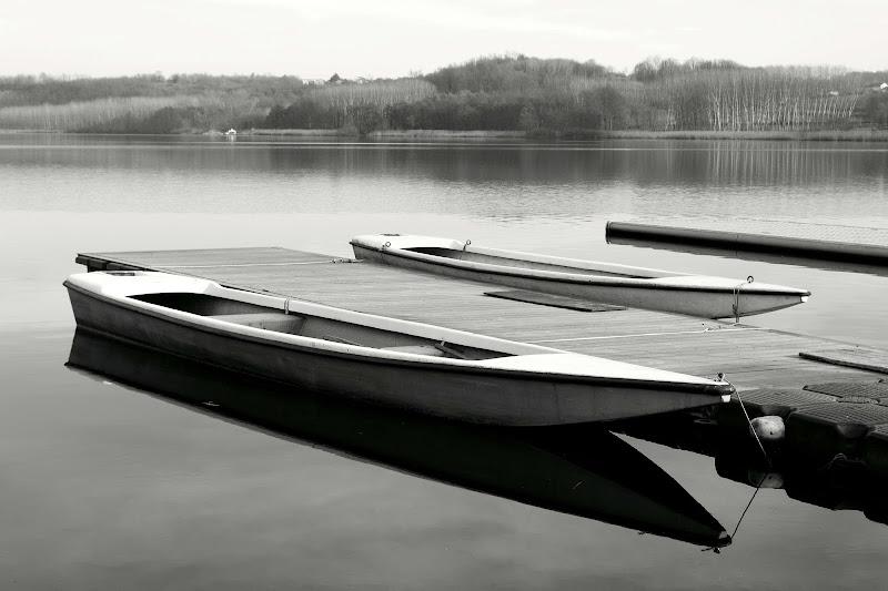 Sull'acqua immobile e silenziosa  di IsideB
