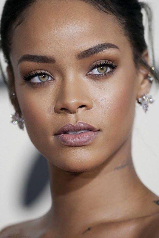 Como fazer pele luminosa a produção favorita da cantora Rihanna