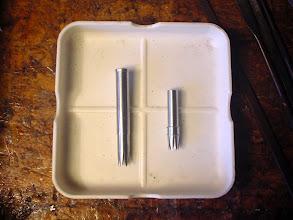 Photo: 8)フェルールが出来上がりました。左がメスのフェルールで右がオスになります。それぞれにセレーションを加工してあります。