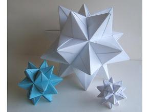 Photo: Les trois étoiles de différentes tailles