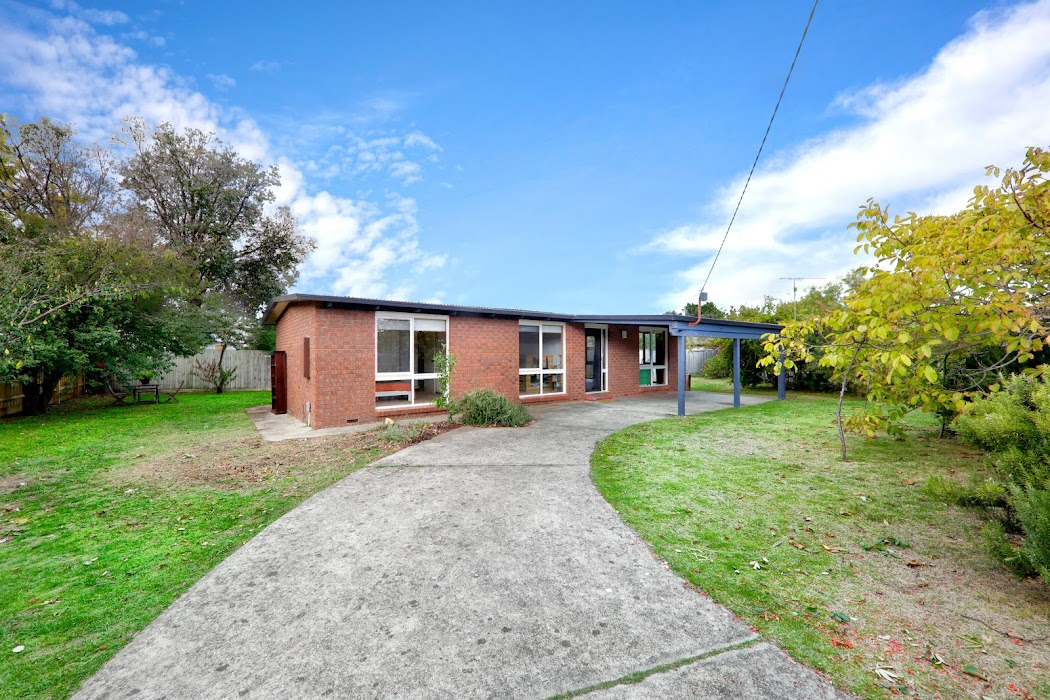 Main photo of property at 8 Innes Court, Tootgarook 3941