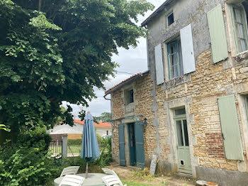maison à Civray (86)