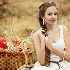 Wedding photographer Yuliya Putilina (Julliet). Photo of 15.05.2014