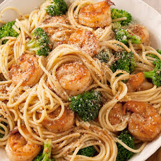 Spaghetti with Garlic-Shrimp & Broccoli.