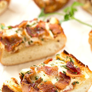 Cheesy Bacon Ranch Garlic Bread