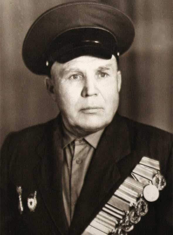 Учеваткин Ф.Н. - команд. взвода управления 35 осбр