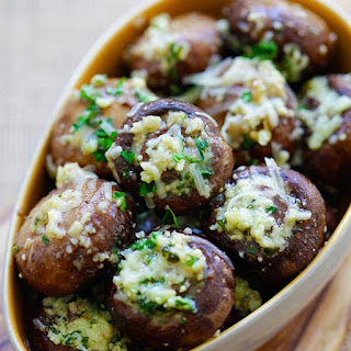 Garlic Parmesan Roasted Mushrooms