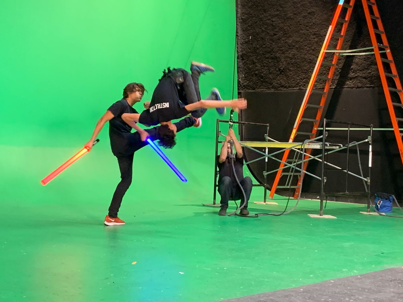 Tricks of the Trade: Stunt Work in Class at MPI - Blog - Motion Picture Institute - mpWOEYAqe_S_1sWUbnE6-O4Xyyb_p-YvBnH5JFSBndGSehaaiHcFi7xIOz5cG9jBwHUinDNdVpthxjpaUWV5XKEqlNazoCKowTkOMvcaD9L-sHBbQcbkPmeRyMkjJGW_PXk1PmIF