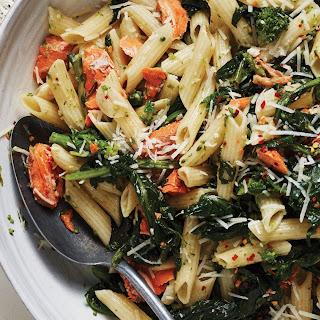 Pasta With Salmon, Broccoli Rabe, and Garlic