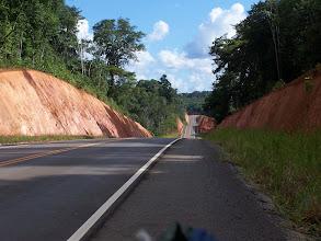 Photo: 58 Km de sobe e desce, a estrada neste trecho é muito boa e bem feita.