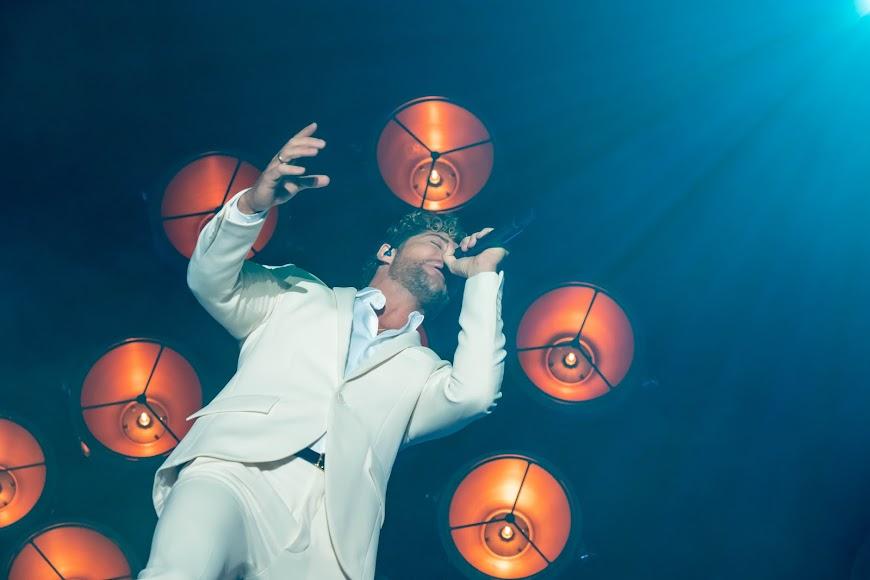 El artista cantó muchas de las canciones que le han acompañado durante su carrera