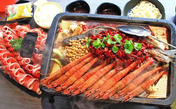 水貨烤魚(大里店)-一吃停不下手,一口接一口的鮮甜烤魚火鍋料理!