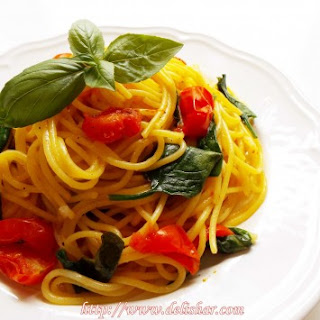 One Pot Spinach Tomato Spaghetti