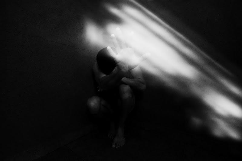 Photophobia di Daniela Ghezzi