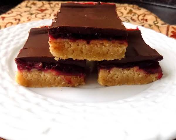 Holly's Chocolate Cranberry Cookie Bars