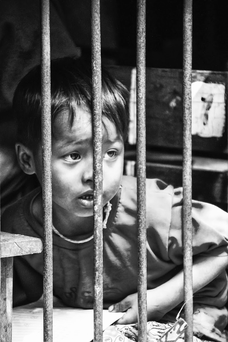 Burmese Child At School di claudio1984