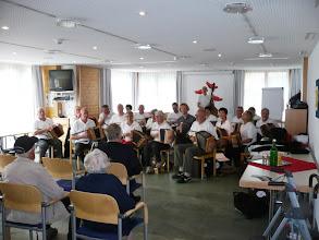 Photo: Regenwetterprogramm:  Auftritt im Alters und Pflegeheim