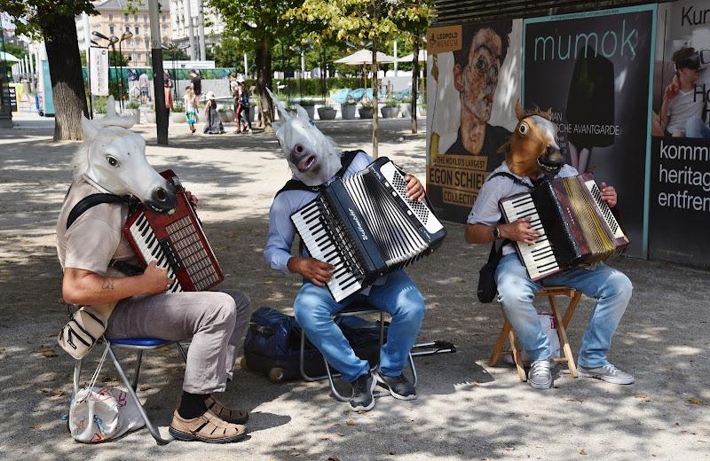 Nitriti musicali di Ilaria Bertini