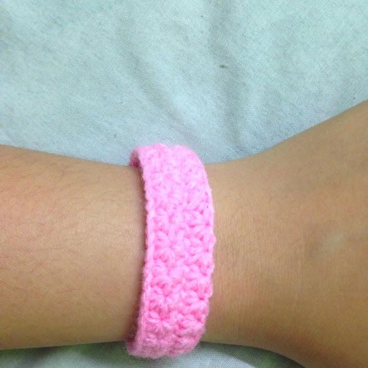 Star-patterned bracelet