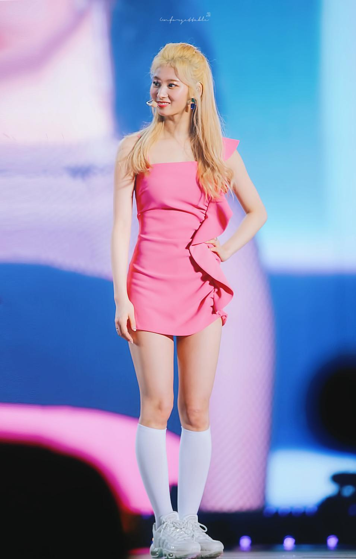 pink sana 2