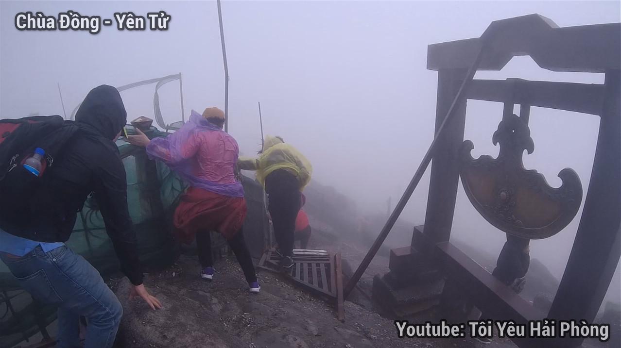 Gió quá to tại Chùa Đồng khi leo núi Yên Tử quảng ninh 3