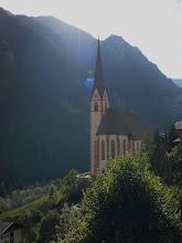 Photo: De kerk van Heiligenblut.