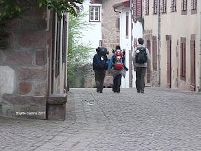 Photo: Julien et les autres pélerins partent pour l'Espagne..