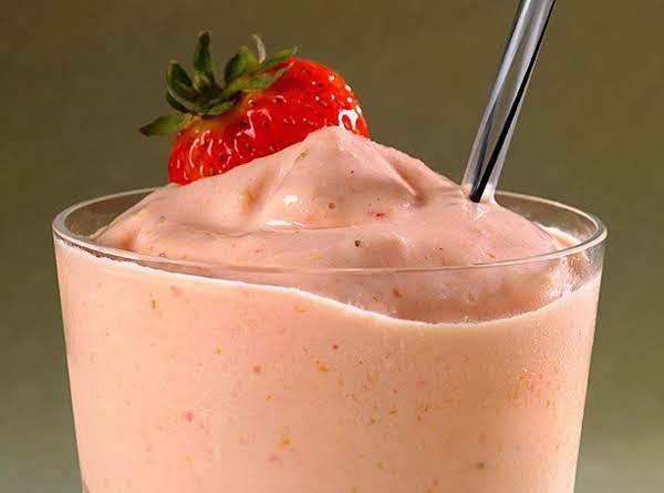 Sweet Summer Strawberry Smoothie
