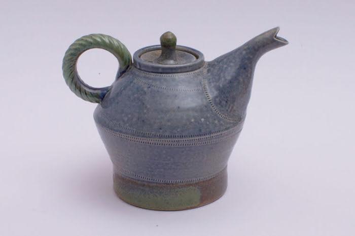 Jane Hamlyn Ceramic Teapot 001