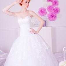 Wedding photographer Elena Osipenko (HelenaOEC). Photo of 06.02.2015