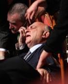 20080124-ROMA-POL. Il senatore Cusumano colto da malore questo pomeriggio al senato.   ANSA/ETTORE FERRARI/FRR