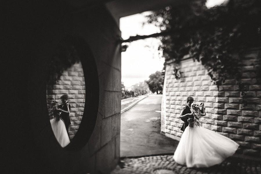 Wedding photographer Slava Semenov (ctapocta). Photo of 25.08.2014